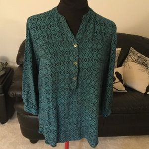 Grand & Greene Patterned 3 Button Blouse